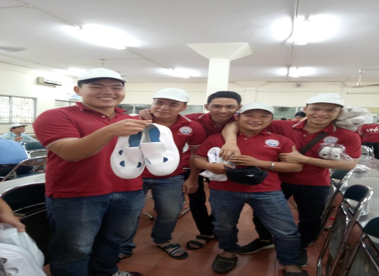 Hình ảnh sinh viên khóa C15 DTU tham gia thực tập tại Panasonic