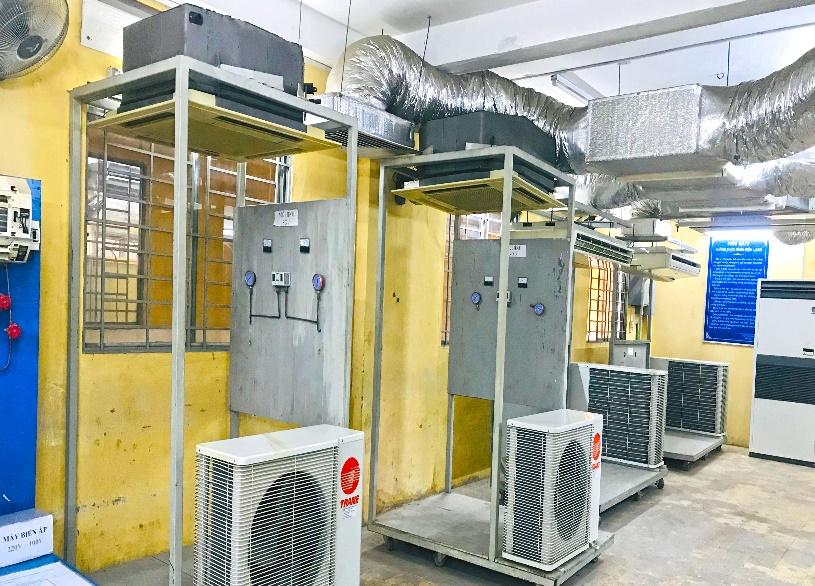 Trang thiết bị xưởng điều hòa không khí - Máy lạnh trung tâm, máy lạnh cassette