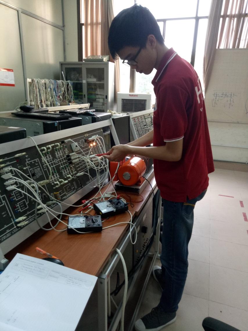 Sinh viên tự học mô đun điện tử công suất